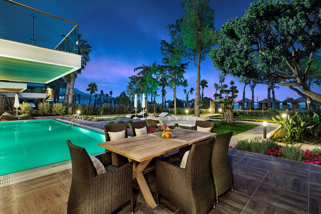 Nirvana Lagoon Villa
